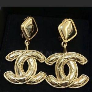 Chanel vintage gold cc earrings